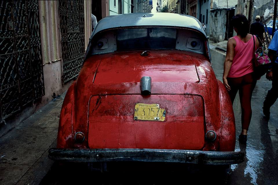 Red car, Old Havana, 1999