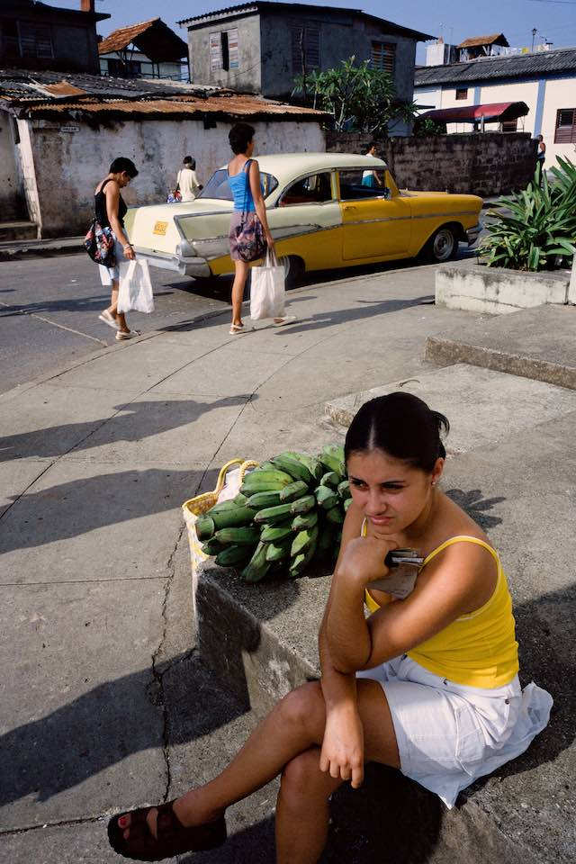 Shopper with bananas, Baracoa, 2003